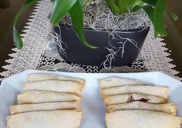 Empanadas con relleno de fresa