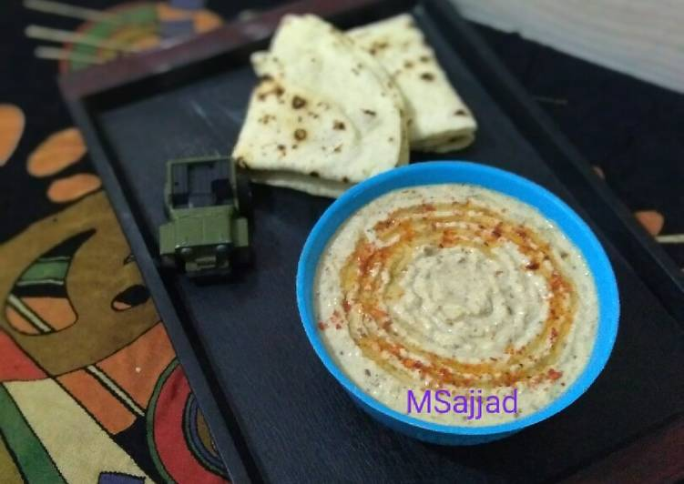 Easiest Way to Make Super Quick Homemade Hummus