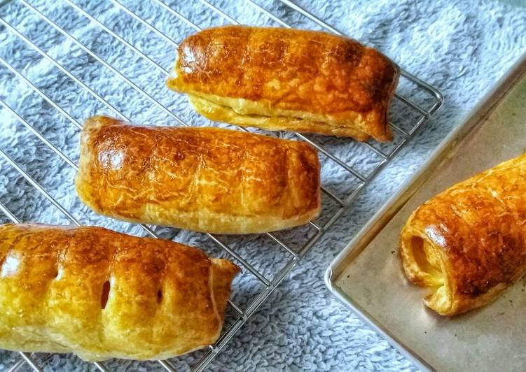Steps to Prepare Speedy 2 Ingredients Sausage Rolls