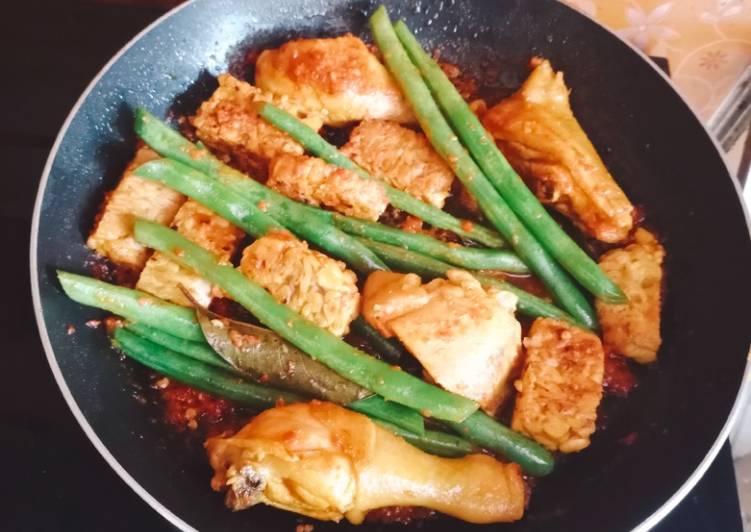 Ayam Pedes Seledri