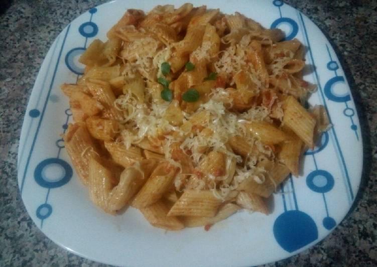 Recette: Pâte penne à la tomate et fromage