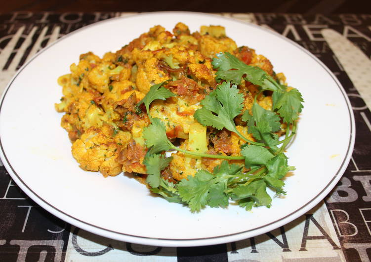 Cauliflower Dry Masala - Quick Fix for Dinner