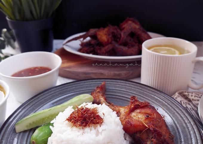 Nasi Kukus Ayam Rempah
