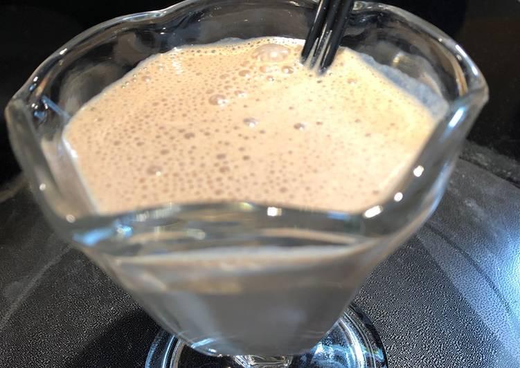 How to Make Quick Peanut 🥜 Butter Milkshake 😋