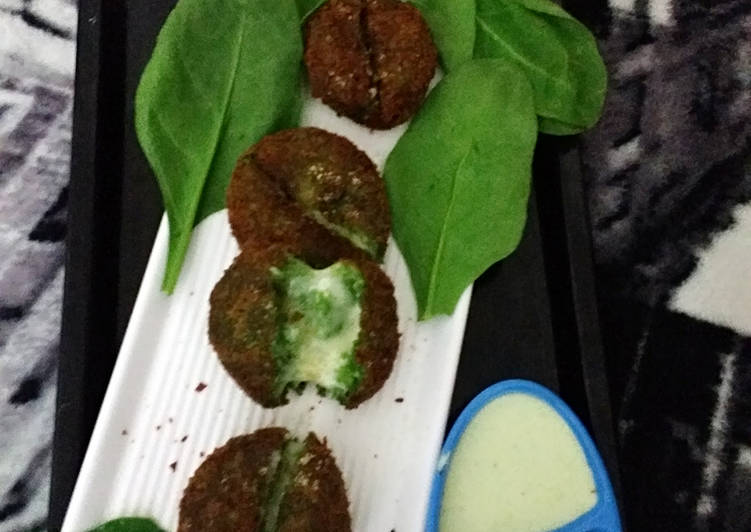 Steps to Make Speedy Haryali cheese kabab with curd coriander dip