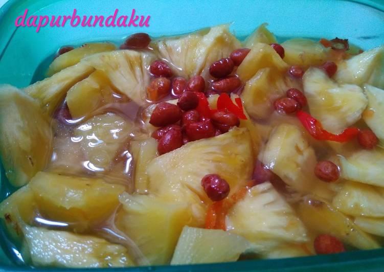 Asinan nanas maknyusss segerrr (iritt bahan dan gampang)