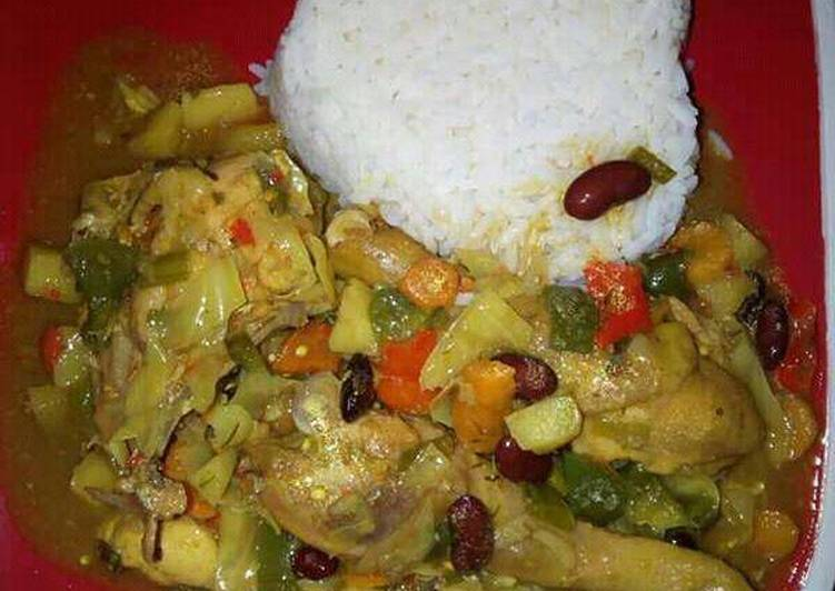 White rice with curry sauce