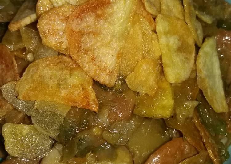 Sambal Jengkol Cabe Ijo with Potato Chips