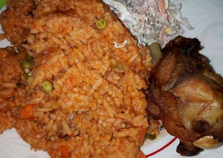 How to Make Delicious Jollof Rice, Chicken and Salad
