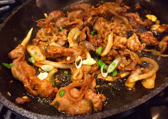 Recipe: Perfect Dweji Bulgogi 돼지 불고기 (Spicy Korean Style Pork)