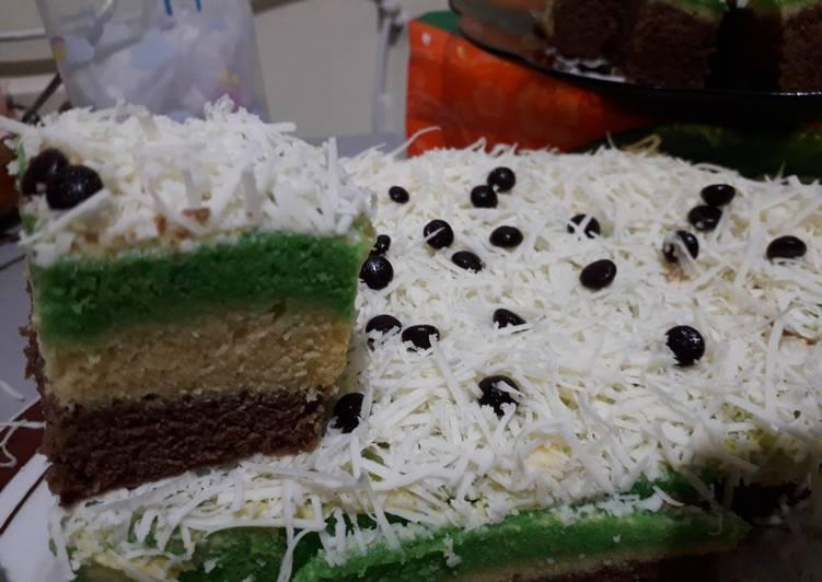 Bolu kukus lapis (coklat,susu dan pandan)