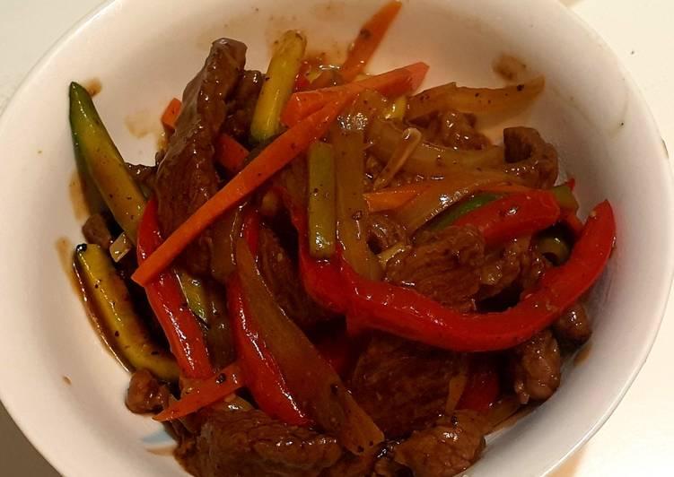 Pepper steak and vegetable stir fry