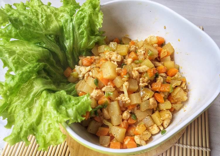Tumis wortel kentang bumbu kari, isian karipap