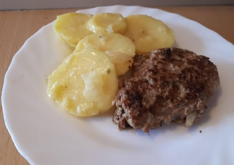 Fleischpflanzerl mit bayerischem Kartoffelsalat