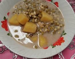 Bubur kacang hijau dan ubi cilembu