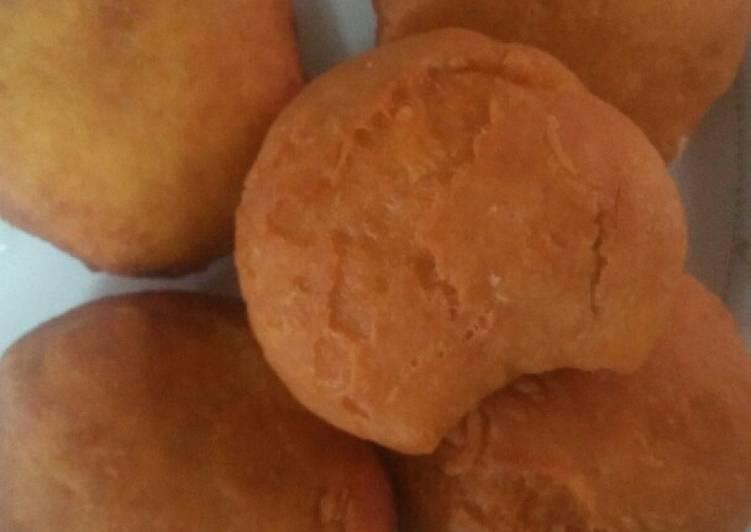 Steps to Prepare Homemade Blueband eggs mandazi