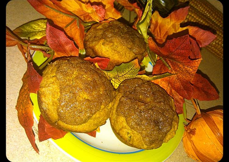Autumn Pumpkin Muffins (With struesel topping)