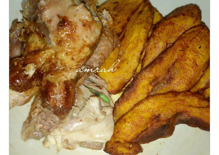Steps to Make Any-night-of-the-week Roasted chicken breast with fried plantain