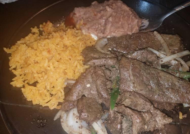 Liver and onion estillo mexicana