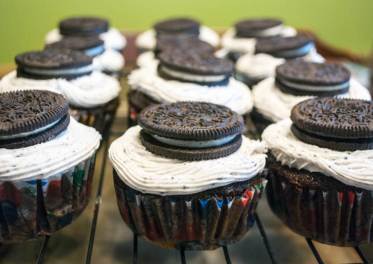 Cookies and Creme Cupcakes