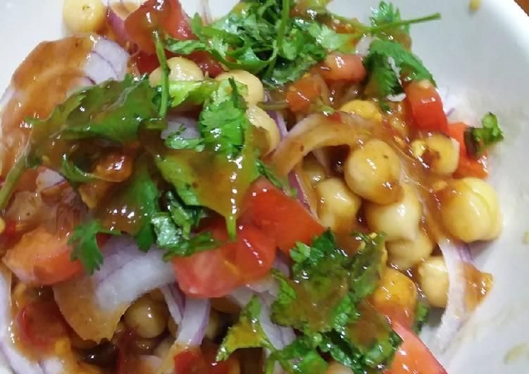 Mix chana chaat #iftar with huma #cookpadramadan ☺