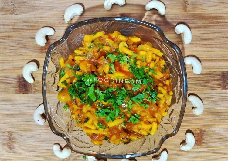 Kaju Gathiya Curry
