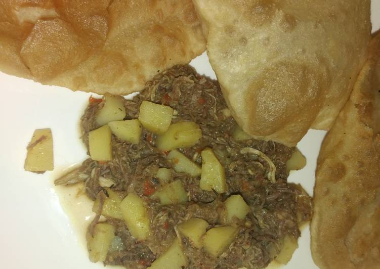 Potatoes and minced meat sauce