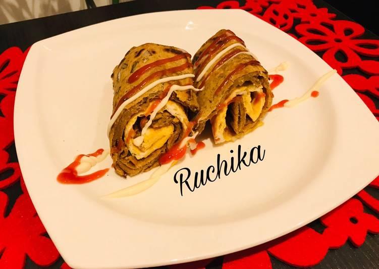 Egg Parantha Roll