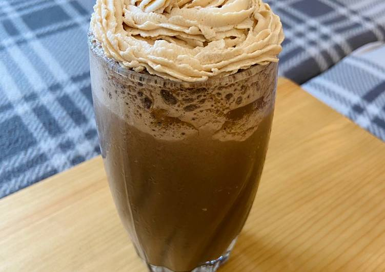 Step-by-Step Guide to Make Speedy Mocha Cookie Frozen Coffee with Coffee Whipped Cream