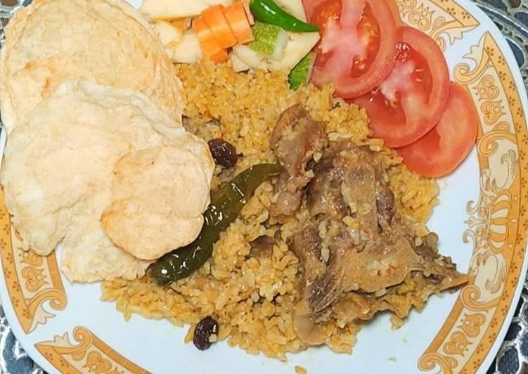 55. Nasi Kebuli Daging Sapi