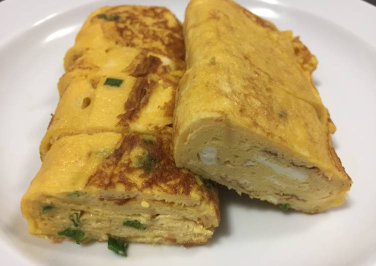 Recipe: Appetizing Japanese Omelet (Egg Roll)