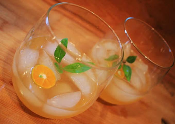 Thai Basil & Calamansi Vodka Gimlet