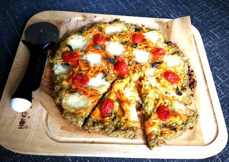 Pizza con base de brócoli al dos quesos