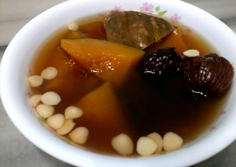 Recipe: Delicious Pumpkin with Almond and Date Soup