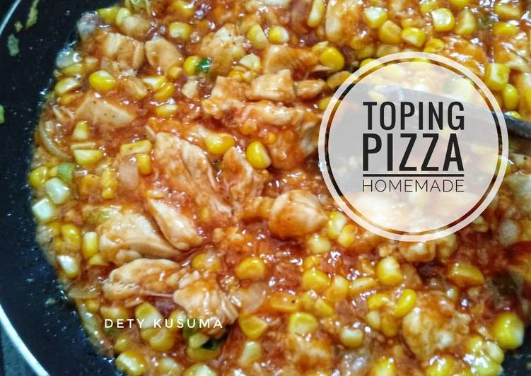 110. Toping Pizza Homemade
