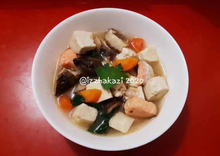 Sup Salmon Ala Jepang