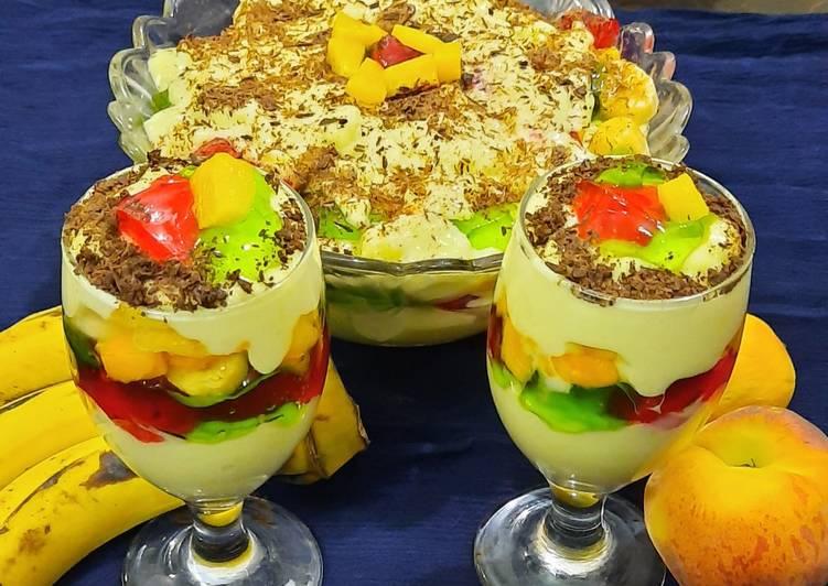 Banana custard trifle 😋😋