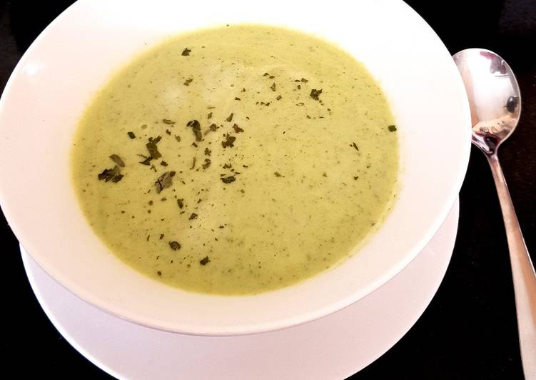 Step-by-Step Guide to Make Award-winning Courgette & Tarragon Soup 😀