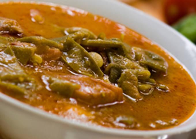 Green beans with Meat (Loubieh bi Lahmeh)