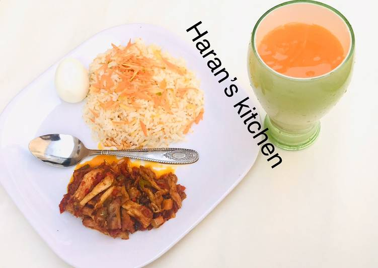 Going Green for Good Health By Eating Superfoods, Carrot rice with shredded chicken sauce