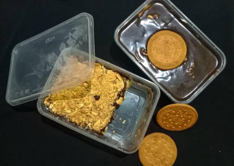 13. Dessert Box Regal