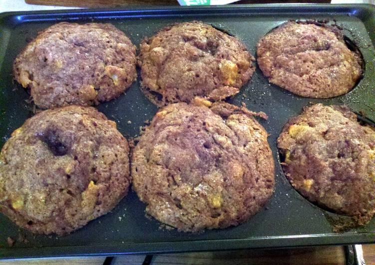 Recipe: Yummy Pumpkin Apple Strusel Muffins