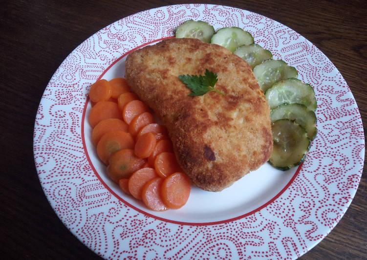 Côtelette de poulet, carottes Vichy et concombre au beurre