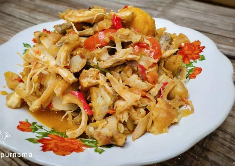 #2. Oseng Ayam Suwir