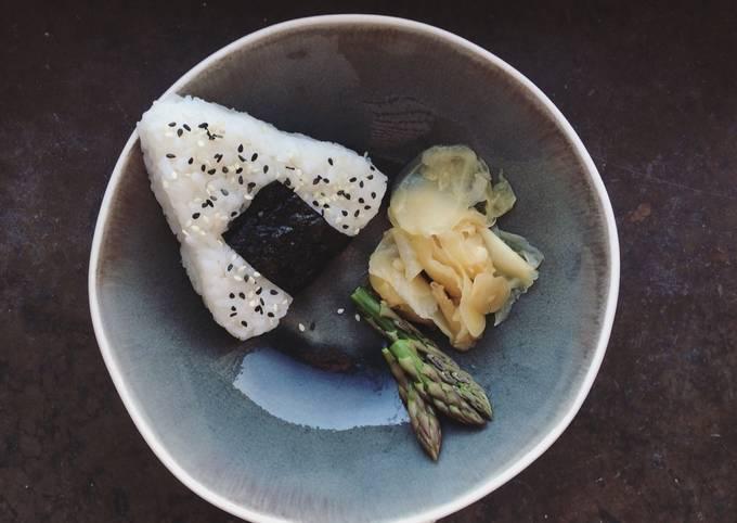 Onigiri with soy seared asparagus