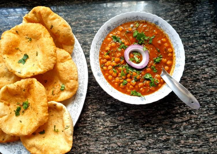 Recipe of Top-Rated White chickpeas curry n Bhatura #4week challenge# Charity recipe
