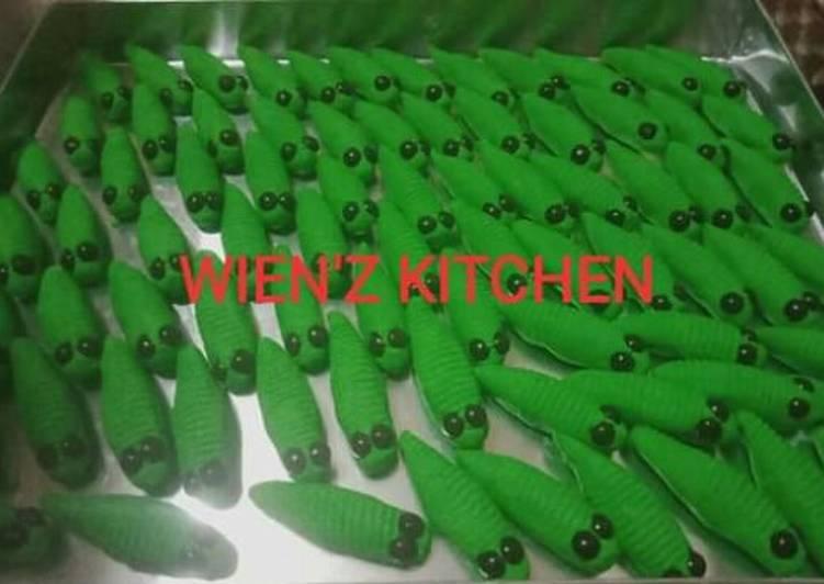 Kue kering ulat hijau