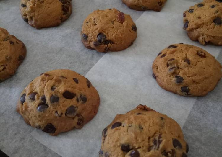 Vanilla Chocochip Raisin Cookies