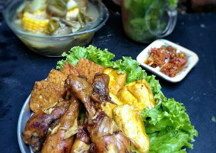 Ayam Goreng Kalasan (ungkep air kelapa)