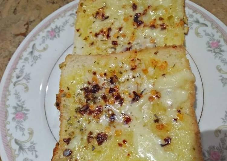 Step-by-Step Guide to Prepare Speedy Cheesy garlic bread